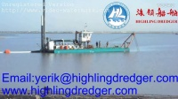 Highling dredger working on the sitecutter suctiondredger