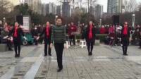 退休艺术家跳的广场舞