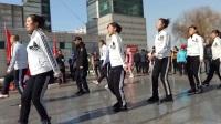 曳步舞2017年3月5日北山马队在江南世纪广场表演