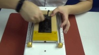 人合科技 手工20秒清除苹果原装oca胶的方法 手工除胶拒绝化学药水