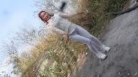 小米88广场舞一白色紧身裤自由慢摇