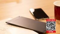 你见过最薄的充电宝吗?比iPhone还薄,只有两枚一元硬币那么厚