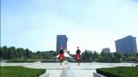 梦娟最新单人水兵广场舞《红红线》双人对跳