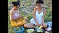 柬埔寨两姐妹花野外直播做黄焖鸡
