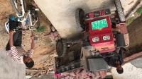 凉山彝族拖拉机手大高超技术