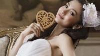 Angelababy黄晓明吻戏性感写真 裸色拖地长裙甜美优雅透视装8E