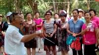 2017年7月9日。南马村王先生拍摄于,石家庄市槐北公园。牡丹之歌。老年人的风采。