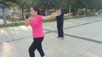 17年8月4日奥林匹克广场舞蹈队  晨练 领队 杨玉华。