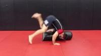 MMA巴西柔术的必修课:10个经典地面沙袋训练方法