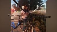八卦:林允遇堵车改骑共享单车 体力不够卓伟出手相救