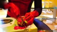 坏蜘蛛侠跑到姐弟家偷吃火龙果被抓