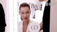 Bella Hadid 演绎全新Dior迪奥Rouge Liquid 999