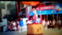 南马村王先生观看气球带人升空。石家庄市东胜广场。拍摄于2017年9月17日。王小三先生的故事。
