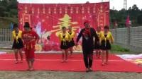 农村搞笑广场舞表演《小鸡小鸡》
