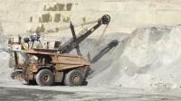 Bucyrus 矿用正铲挖掘机装载卡特  CAT 797f卡车