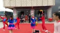 三龙镇喜迎十九大文艺巡回演出丰余健身点《丰余队~欢歌中华》