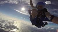 《新西兰》春节假期去新西兰旅游?那必须去奥克兰或陶波体验双人跳伞!