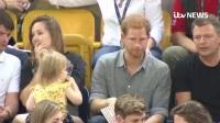 哈里王子被2岁女孩偷吃爆米花 ,最后居然被发现了?