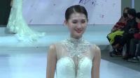 现场:世界旅游小姐走婚纱秀 助阵中国婚博会
