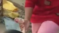 亲母暴力虐童 泼水脱衣摔地脚踩