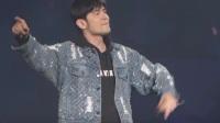 八卦:周杰伦现场与王俊凯粉丝互动:歌迷借我下