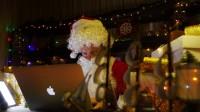 超温馨!编程机器人秒变小暖男,圣诞花式送祝福