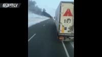 哈萨克斯坦公路发生52人死亡的大巴车事故