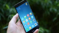 不喜欢全面屏手机的不用担心,华为和小米最强2款传统三段式手机