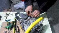 玖坚油锯维修之-----减震胶更换,平衡器进气伐的更换