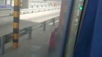 客车忙不过来,公交车上高速来帮忙跑长途