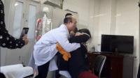 田惠林华康169现代柔性正骨手法——膝顶开背操作