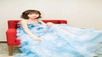 杨幂穿蓝纱裙就能演《灰姑娘》了?美成精灵的毛晓彤都没说啥呢!