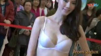 2013新光黛安芬內衣秀魅力美女模特商场走秀