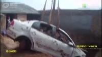 小伙驾车撞伤人后逃逸 怕担责自家院中挖坑埋车