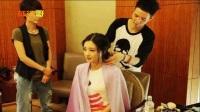 赵丽颖专注,李沁悠闲,论女明星化妆,最不老实的就是迪丽热巴了