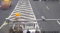 司机高速上倒车遮挡号牌 一次性被扣30分