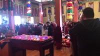 噶玛巴千诺!  法王噶玛巴即日前在纽约 (KTD)寺院主持迦藍菩薩修誦儀軌。