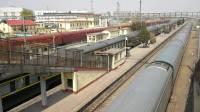 京广铁路 Z97次(北京西 - 九龙)良乡站1道通过 京局京段SS9-0044
