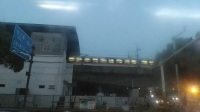 两列上海地铁5号线列车北桥站交汇