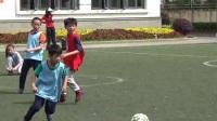 足球的快乐——记三年级2班与4班年级足球赛