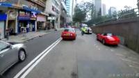 傻缺出租车在警察面前CUT双白,摆明要挑战权威啦