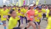 阿迪达斯助力上海少儿迷你马拉松赛携亲子一起#向前跑#