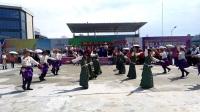 《欢乐锅庄》若尔盖驻都江堰花湖锅庄队参加青城桥联谊表演