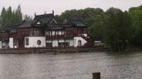 雨中漫游莫愁湖 摄制 汪达明