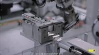 【触动力】将iPhone大卸八块的苹果拆解机器人Daisy