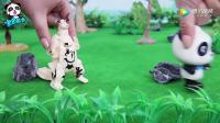 宝宝巴士玩具—解救小恐龙,喷火龙的蛋宝宝被奇奇当做足球给踢飞了