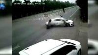 我在交通事故合集20180610: 每天10分钟车祸实例, 助你提高安全意识截取了一段小视频