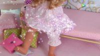 《小伶玩具》芭比娃娃起床叠被换装去参加舞蹈大赛, 一举成为大赢家
