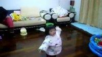 琪琪 一岁四个月 唐诗表演
