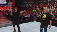 WWE Raw 2010年3月1日  Diva Pillowfight Match